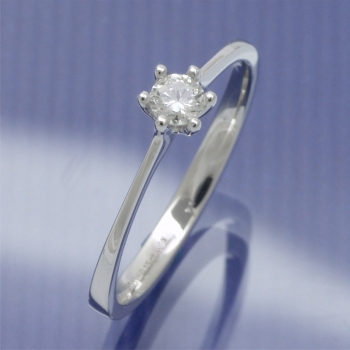 Solitaire Ring mit 0,15 ct